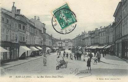 """CPA FRANCE 55 """"Bar le Duc, la rue entre Deux Ponts"""""""