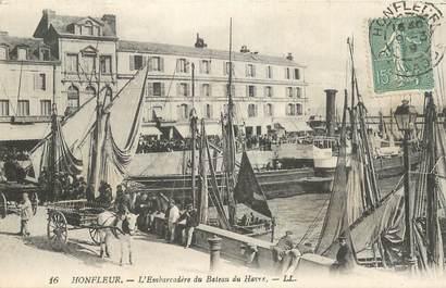 """CPA FRANCE 14 """"Honfleur, l'Embarcadère du bateau du Havre"""""""