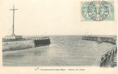 """CPA FRANCE 14 """"Courseulles sur Mer, entrée des jetées"""""""
