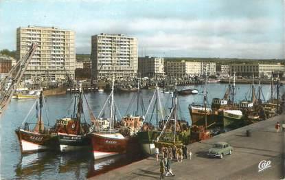 """/ CPSM FRANCE 62 """"Boulogne sur Mer, vue générale du port et les nouveaux immeubles"""""""