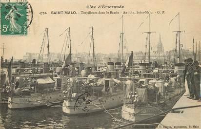 """/ CPA FRANCE 35 """"Saint Malo, torpilleurs dans le bassin"""" / BATEAU"""