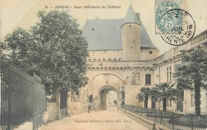 """CPA FRANCE 17 """"Jonzac, cour intérieure du chateau"""""""