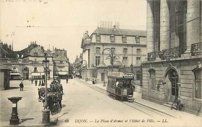 """CPA FRANCE 21 """"Dijon, la place d'Armes"""""""