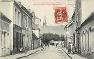 """72 Sarthe / CPA FRANCE 72 """"La Ferté Bernard, rue Victor Hugo et église Saint Antoine"""""""