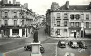 """72 Sarthe / CPSM FRANCE 72 """"La Flèche, place Henri IV et grande rue"""""""