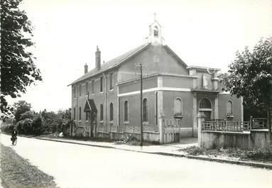 """/ CPSM FRANCE 71 """"Chalon sur Saone, l'église Sainte Thérèse"""""""