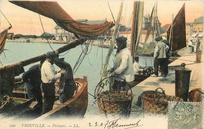"""CPA FRANCE 14 """"Trouville sur Mer, Pêcheurs"""""""