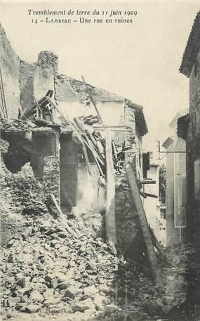 "CPA FRANCE 13 ""Lambesc, tremblement de terre 1909, une rue en ruines"""