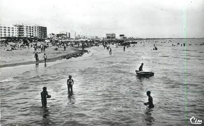 """/ CPSM FRANCE 85 """"Saint Jean de Monts, la plage"""""""