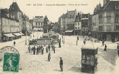 """/ CPA FRANCE 39 """"Lons Le Saunier, place de la liberté"""""""