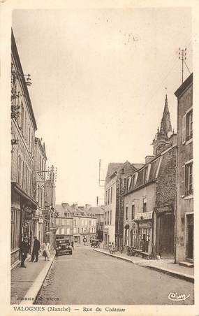 "CPA FRANCE 50 ""Valognes, rue du Chateau"""