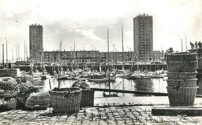 "CPSM FRANCE 50 ""Cherbourg, le bassin des Yachts"""