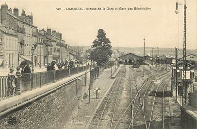 """CPA FRANCE 87 """"Limoges, avenue de la gare"""""""