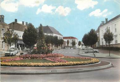 """/ CPSM FRANCE 85 """"Aizenay, le rond point"""""""