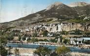 """05 Haute Alpe / CPSM FRANCE 05 """"Embrun, la ville sur son roc"""""""