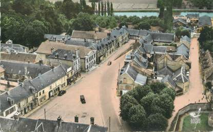"""/ CPSM FRANCE 02 """"Vic sur Aisne, place de la mairie"""""""