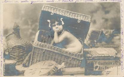 CPA NU / ENFANT  / Petite fille dans son panier