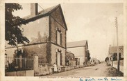 """28 Eure Et Loir / CPA FRANCE 28 """"Conie Molitard, la mairie et l""""école"""""""