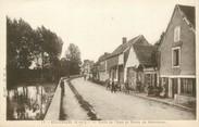 """28 Eure Et Loir / CPA FRANCE 28 """"Ecluzelles, route de Maintenon"""""""