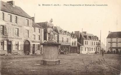 """CPA FRANCE 22 """"Broons , place Duguesclin et statue du Connétable"""""""