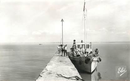 """CPSM FRANCE  17 """"Fouras, départ du bateau pour l'Ile d'Aix"""""""