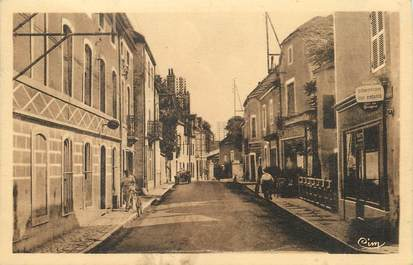 """/ CPA FRANCE 21 """"Is Sur Tille, rue de la gare"""""""