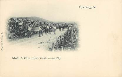 "CPA FRANCE 51 ""Epernay, Les vendanges"""