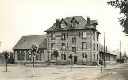 """/ CPSM FRANCE 60 """"Crépy en Valois, école Maternelle"""""""