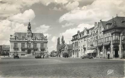 """/ CPSM FRANCE 59 """"La Bassée, place de l'hôtel de ville"""""""