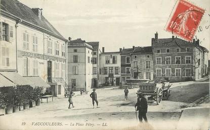 """/ CPA FRANCE 55 """"Vaucouleurs, la place Pétry"""""""