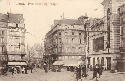 """CPA FRANCE 76 """"Rouen, rue de la République"""""""