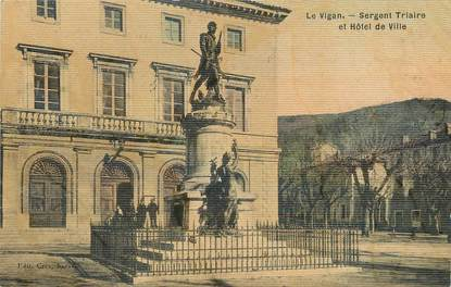 """/ CPA FRANCE 30 """"Le Vigan, sergent triaire et hôtel de ville"""" / CARTE TOILEE"""