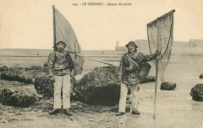 """CPA FRANCE 76 """"Le Tréport, retour de pêche"""""""