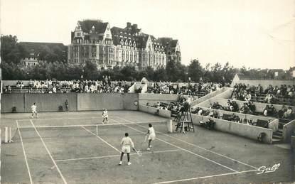 """CPSM FRANCE 62 """"le Touquet Paris Plage, un match de Tennis, le Picardy Hotel"""""""