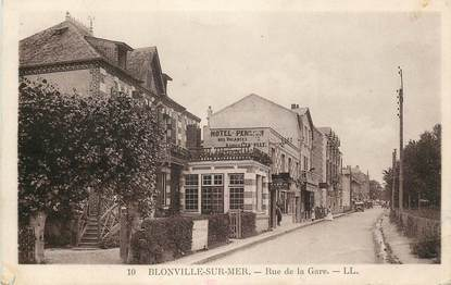 "CPA FRANCE 14 ""Blonville sur Mer, la rue de la gare"""