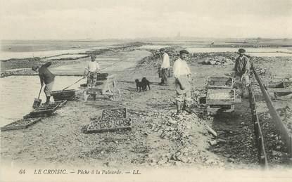 """/ CPA FRANCE 44 """"Le Croisic, pêche à la Palourde"""""""