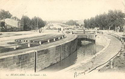 """CPA FRANCE 30 """"Beaucaire, le canal"""""""