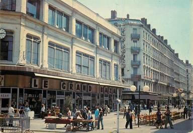 """CPSM FRANCE  69  """"Lyon, rue de la République"""""""