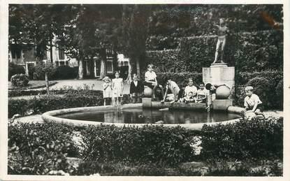 """/ CPSM FRANCE 64 """"Salies de Béarn, la fontaine du jardin public"""""""