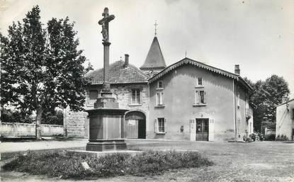 """/ CPSM FRANCE 42 """"Sainte Foy, Saint Sulpice, la place"""""""