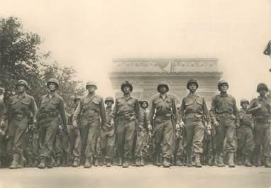 """CPSM  2EME GUERRE / LIBÉRATION DE PARIS """"défilé de l'infanterie américaine"""""""