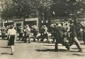 """Militaire CPSM  2EME GUERRE / LIBÉRATION DE PARIS """"prisonniers allemands emmenés par des soldats américains"""""""