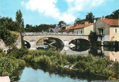 """CPSM FRANCE 86 """"Civray, le pont neuf sur la Charente"""""""