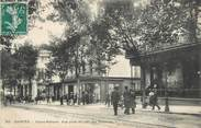 "17 Charente Maritime / CPA FRANCE 17 ""Saintes, cours National"""