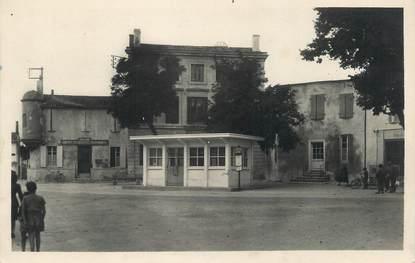 """/ CPSM FRANCE 17 """"Ile de Ré, Ars en Ré, la gare routière"""""""