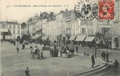 """/ CPA FRANCE 17 """"La Rochelle, place d'Armes"""""""