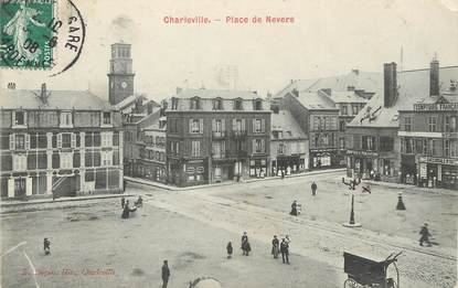 "/ CPA FRANCE 08 ""Charleville, Place de Nevers"""