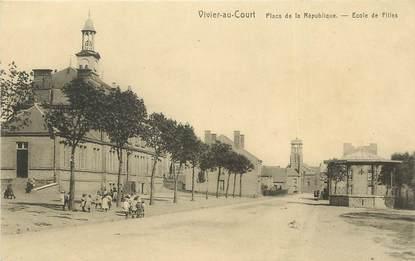 """/ CPA FRANCE 08 """"Vivier au Court, place de la République, école de filles"""""""