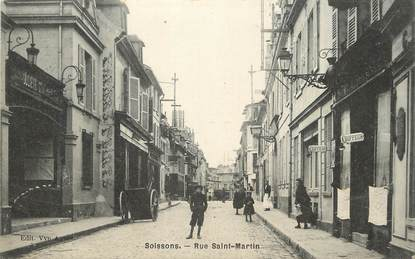 "/ CPA FRANCE 02 ""Soissons, rue Saint Martin"""