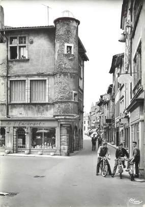 """/ CPSM FRANCE 71 """"Tournus, escargot et rue du centre"""""""